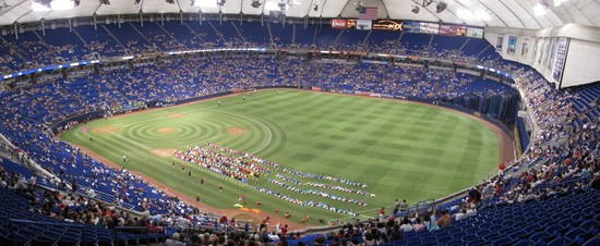 28 - metrodome rf long foul upper panaramic.jpg