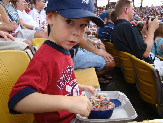 8a - tim and ice cream.JPG