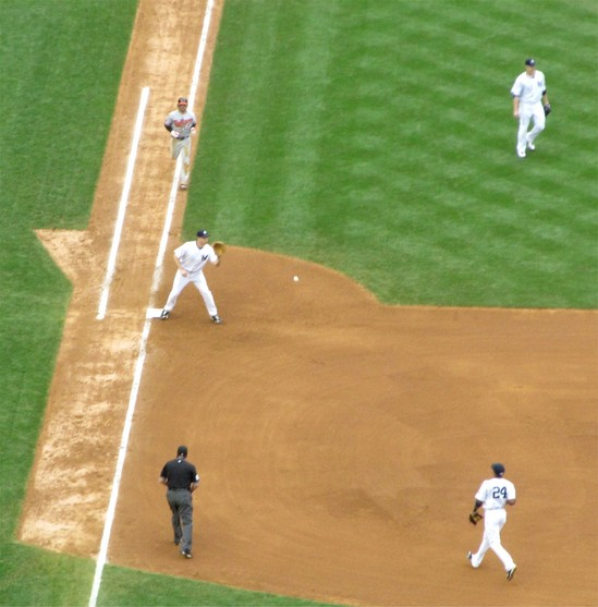 18 - roberts grounds to cano in 7th.jpg