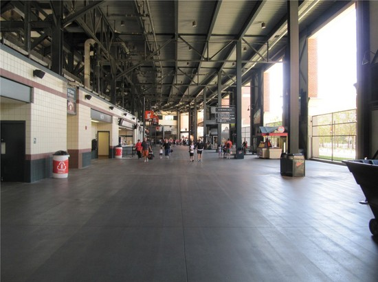 17 - big open and empty 3B concourse.jpg