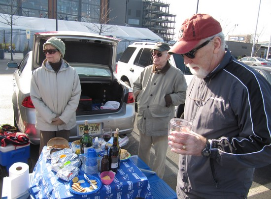 4 - the veteran tailgaters.JPG