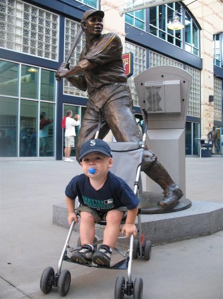 6 - Josh Gibson statue.jpg