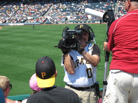 19 - Pirates cameraman.jpg