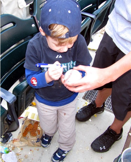 32 - tim autographs baseball.jpg