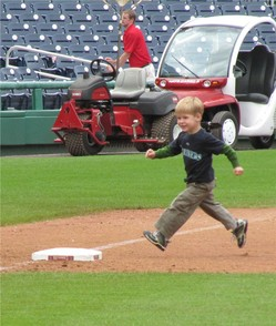 Thumbnail image for tjc rounding third in DC.jpg