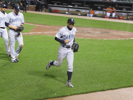 32 - ichi and mariners win.JPG