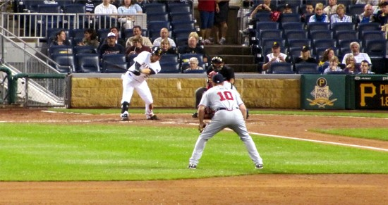 38 - grounder to chipper jones.jpg