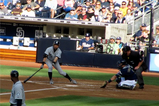 22 - Ichi RBI single in 2nd 6-12-10.JPG