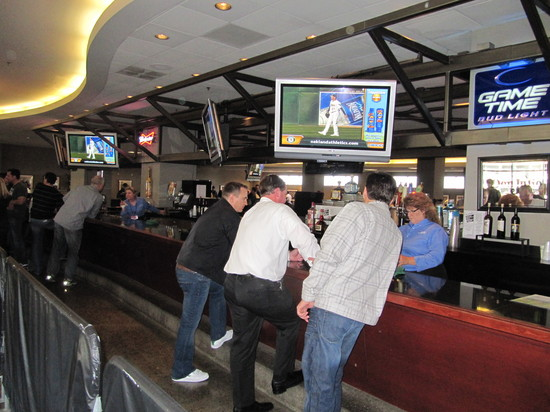26 - west side club bar.JPG