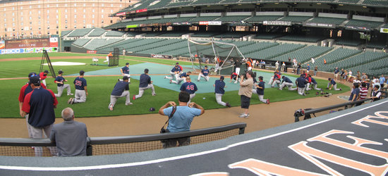 3 - red sox stretching at camen yards.jpg