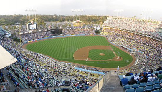v - dodger top deck 3B panorama.jpg