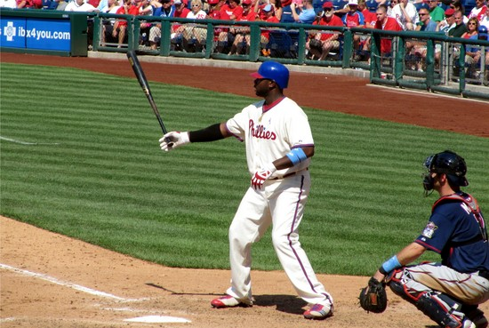 35 - Ryan Howard sets up in 9th 6-20-10.JPG
