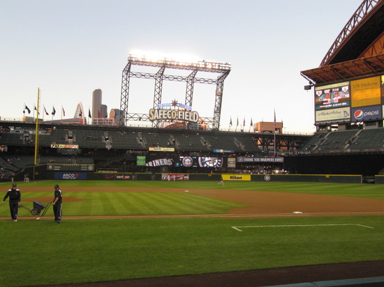 5 - hello safeco 2010.JPG