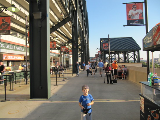 8 - OPACY upper deck concourse 3B side.JPG
