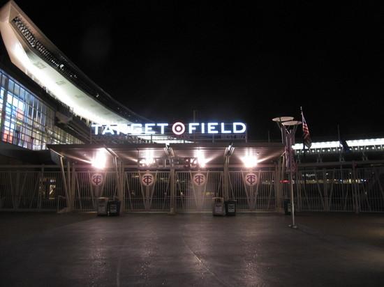 5 - Target Field Gate 34.JPG