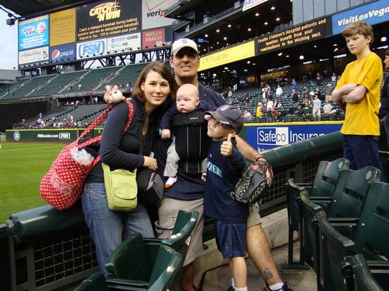8 - happy baseball family.JPG