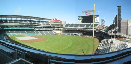 a3 - Target Field metropolitan club panorama.jpg