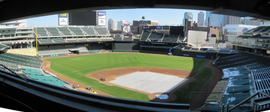 h - Target Field Norway Lake Suite panorama.jpg