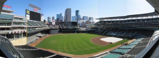 i - Target Field Suite 54 panorama.jpg