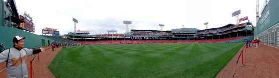 21a-fenway-cf-field-panorama