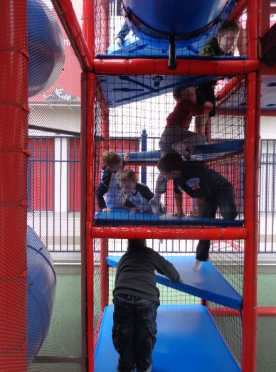 17-boys-in-nats-playarea