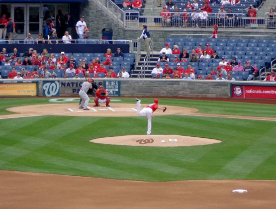 19-nats-reds-first-pitch