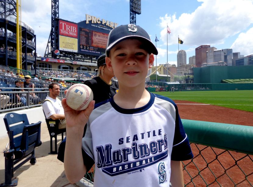 30-foul-ball-from-felix-to-mccutchen-to-ballgirl-to-tim