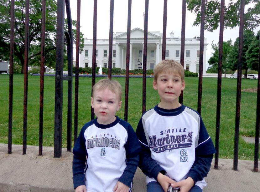 42-funny-faces-at-white-house