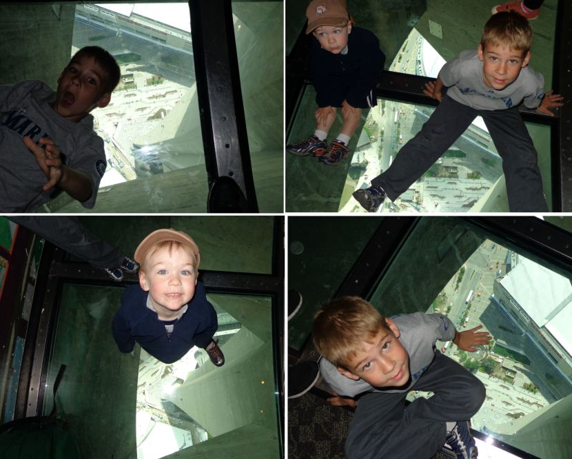 20-CN-tower-glass-floor
