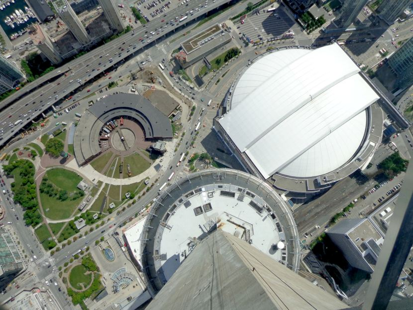 22-CN-tower-skypod